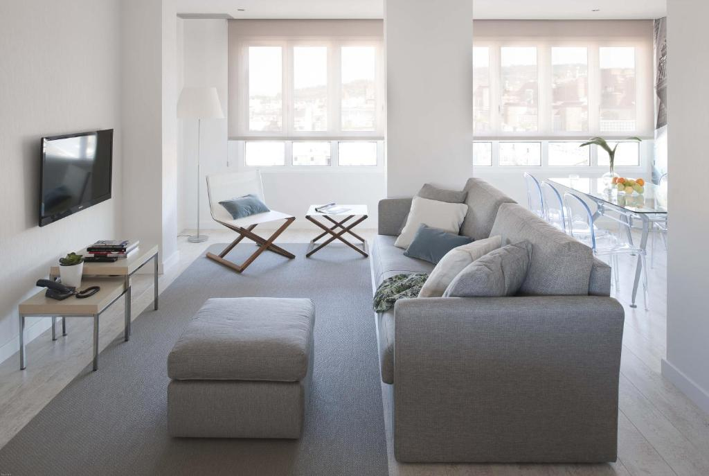A seating area at Eric Vökel Boutique Apartments - Gran Vía Suites