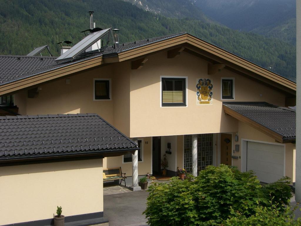 Apartment Haus Pfeifer, Fulpmes, Austria - Booking.com
