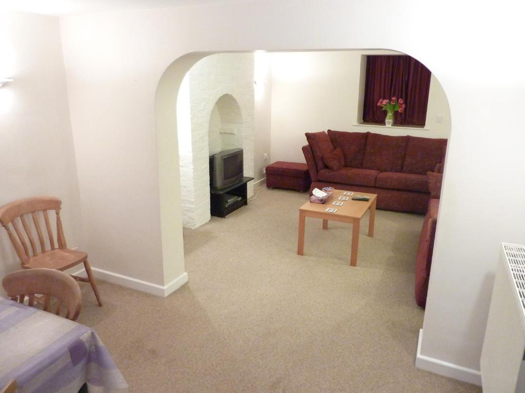 A seating area at Canterbury City - Apartment no.2