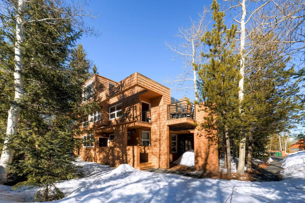 Vacation home cabin creek townhome frisco co for Ski cabins in colorado