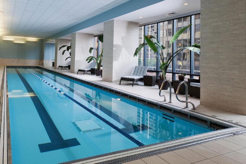 Hotel Radisson Blu Aqua Chicago, IL - Booking.com