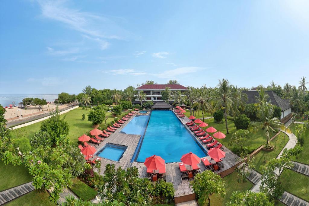 Resort ombak sunset gili trawangan indonesia for Sunset lodge