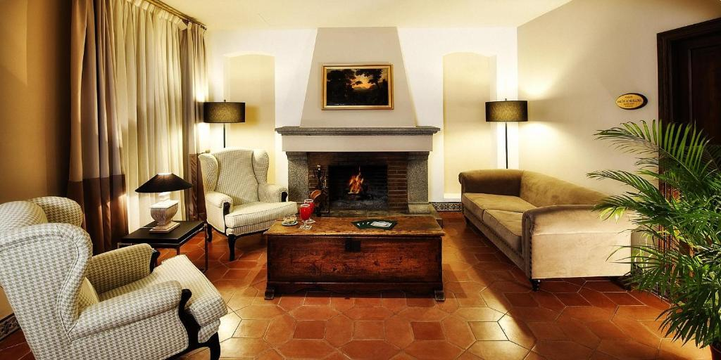 boutique hotels in castellar de la frontera  5