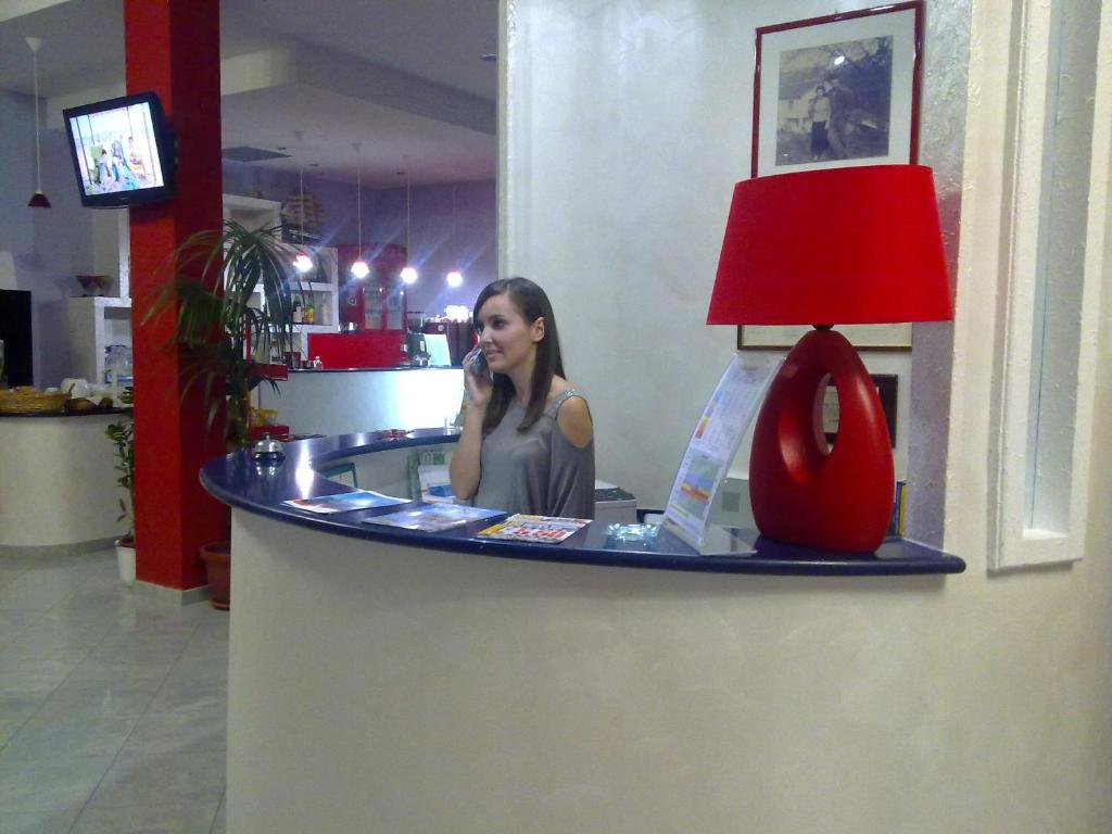 The lobby or reception area at Hotel Jonic