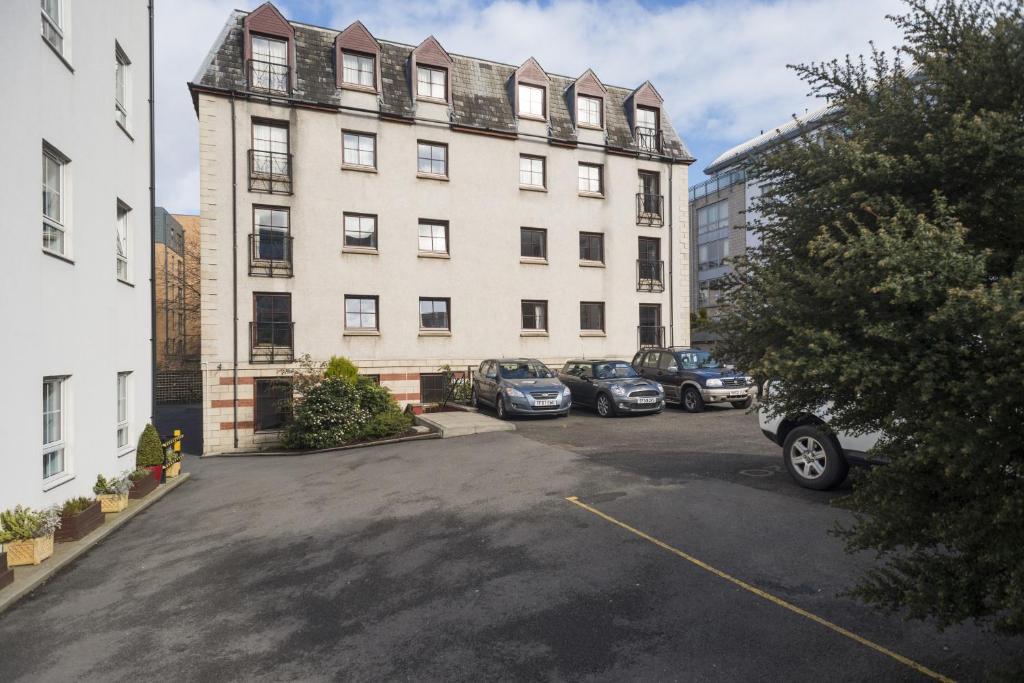 Fountain Court Apartments - Grove, Edinburgh - Updated ...