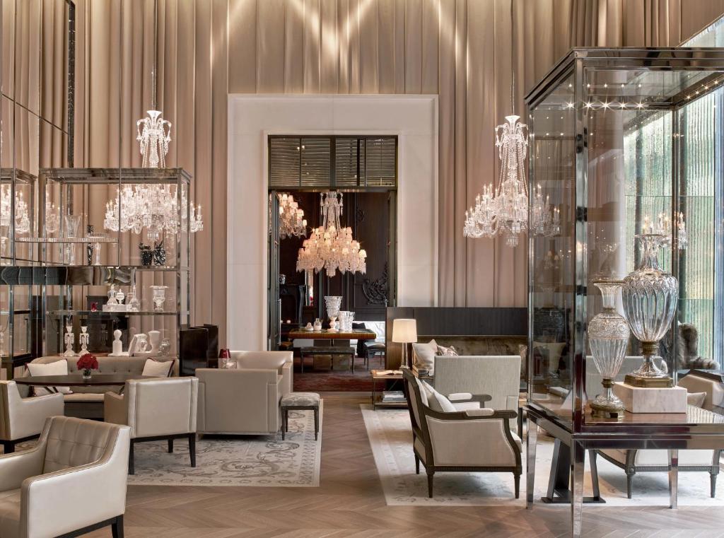 Hotel baccarat paris blackjack restaurant springfield ma