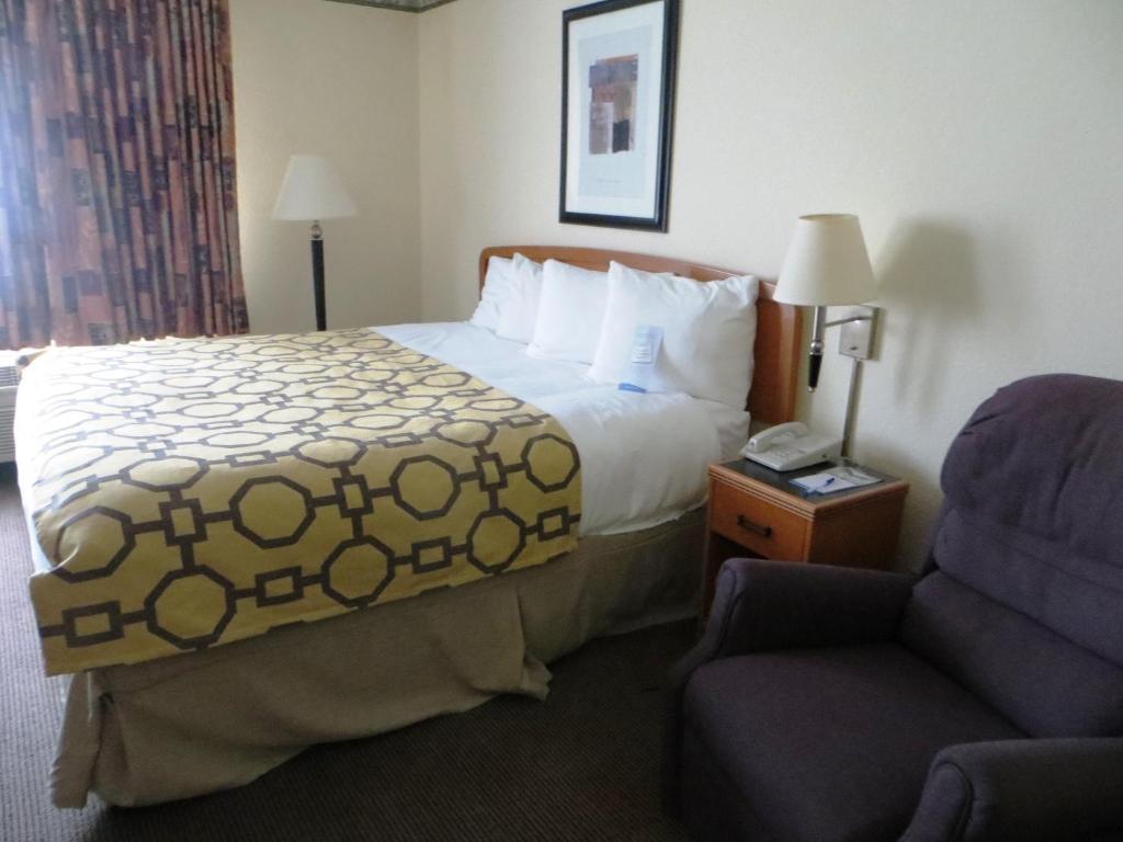 Bedroom Furniture Fort Wayne Baymont Inn Suites Fort Wayne In Bookingcom