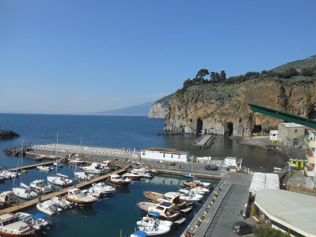Apartment la terrazza sul mare piano di sorrento italy - Terrazzi sul mare ...