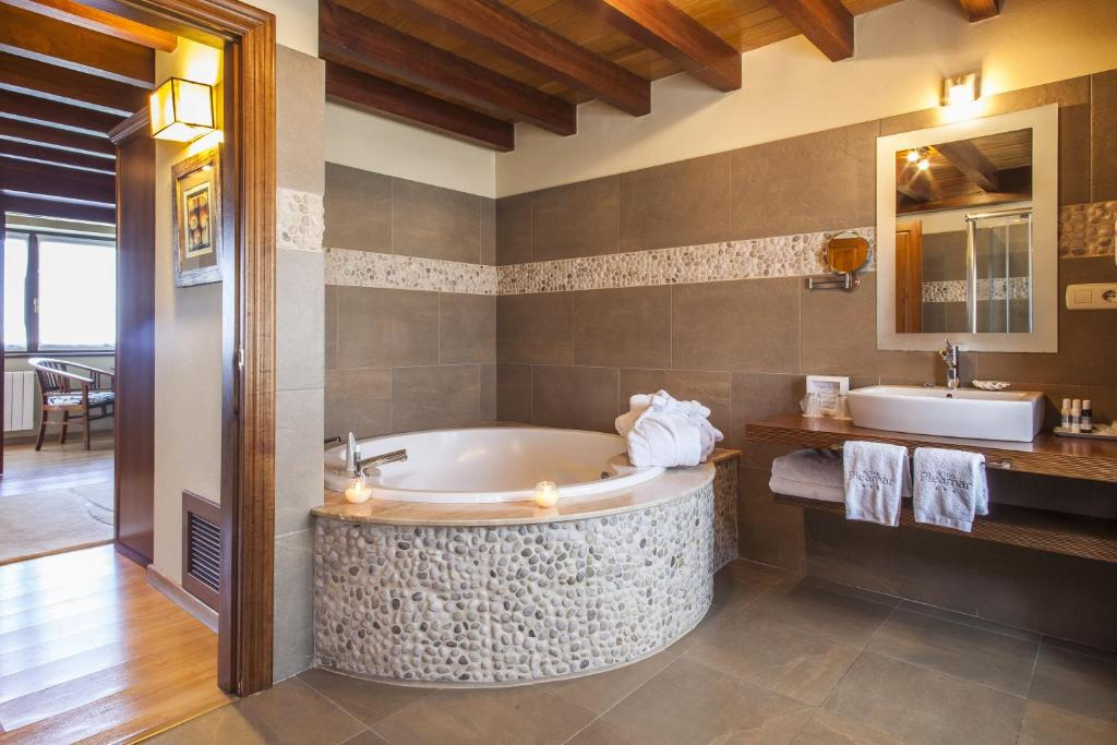 hotels with  charm in puerto de vega  40