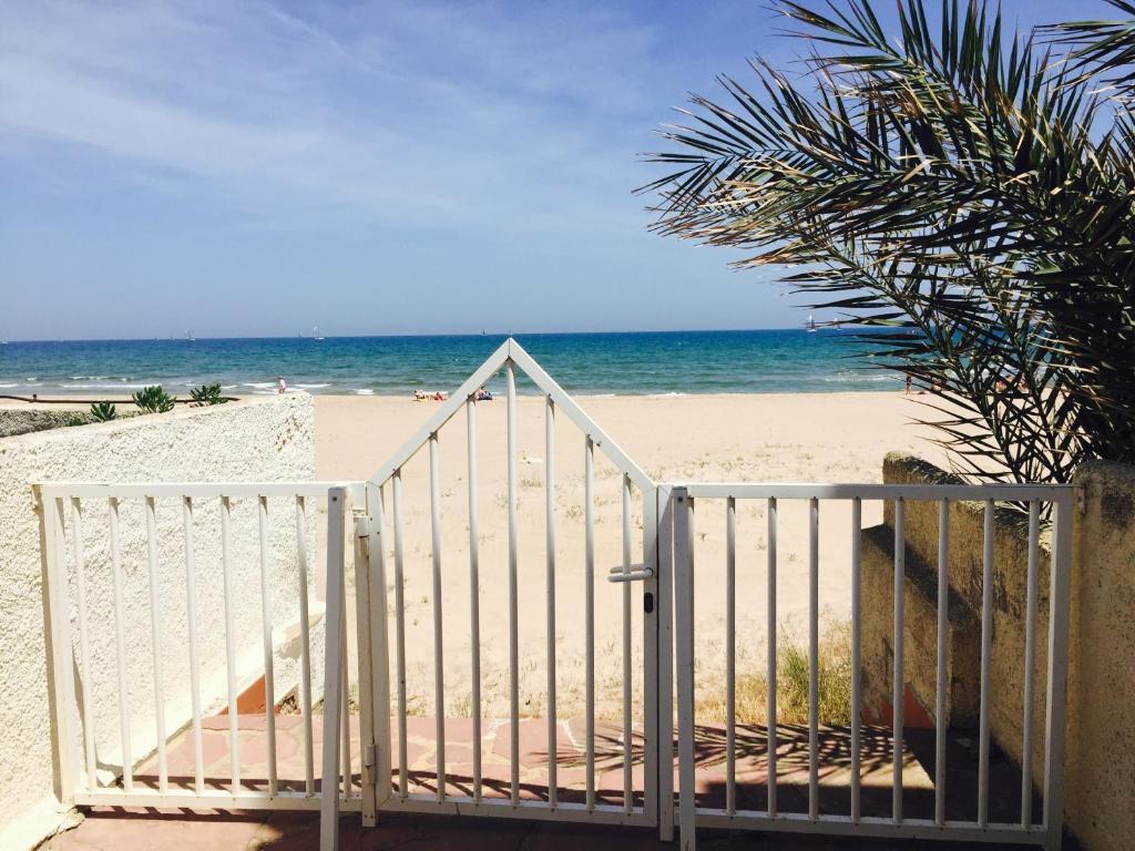 Casa playa valencia el perell updated 2019 prices - Casa de playa ...