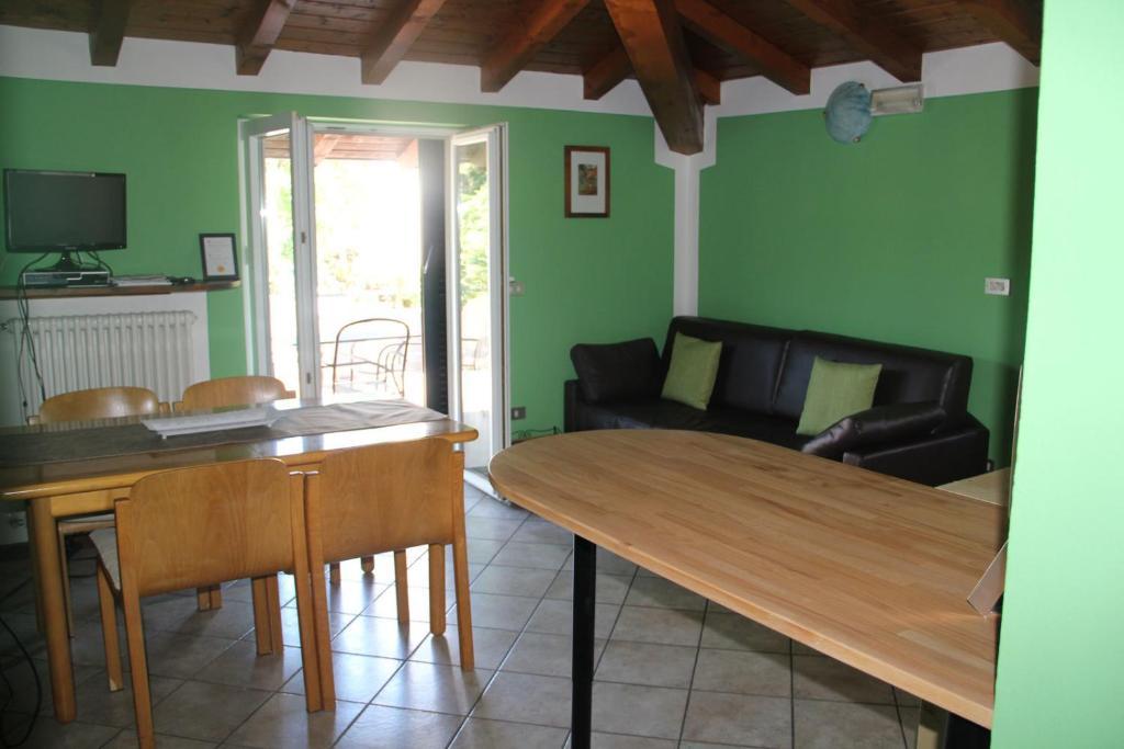 Veranda beach apartment pianello del lario u prezzi aggiornati