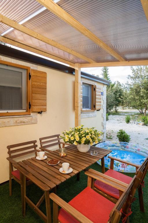 Resort village zaton dalmata eco mobile homes croatia booking com