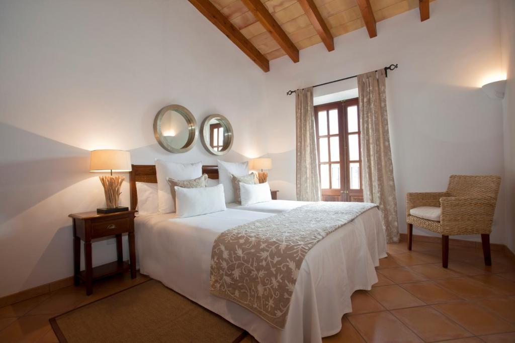 boutique hotels fornalutx  29
