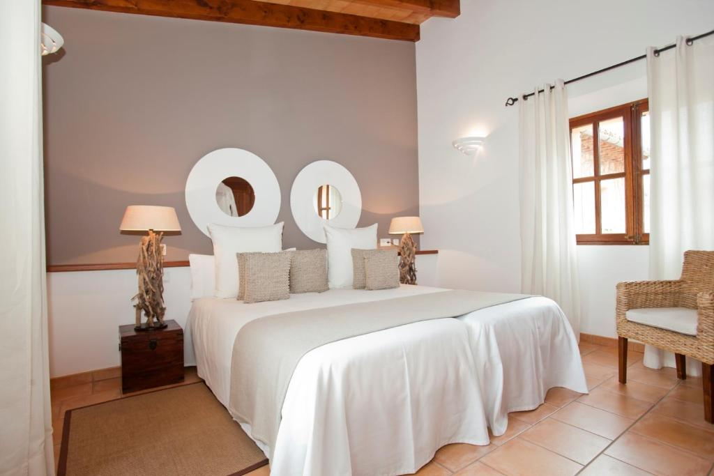 boutique hotels fornalutx  33