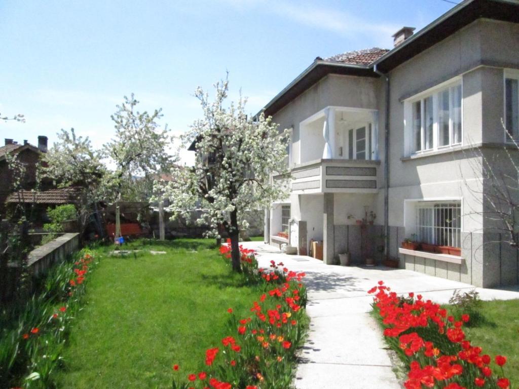 Къща за гости Поп Николовата - Трявна