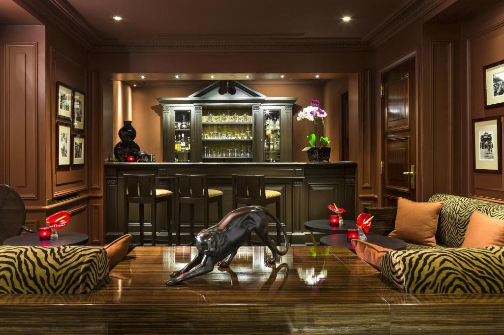 6026197ceaa Hotel Francois 1er