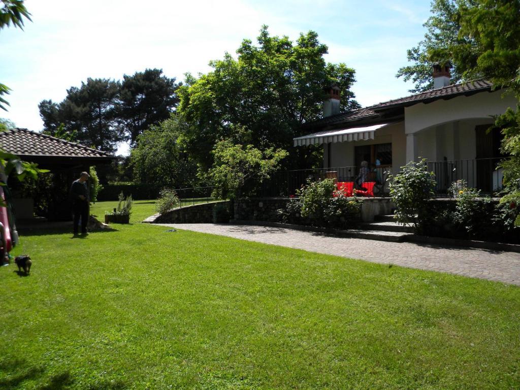 A garden outside Rose Apartment
