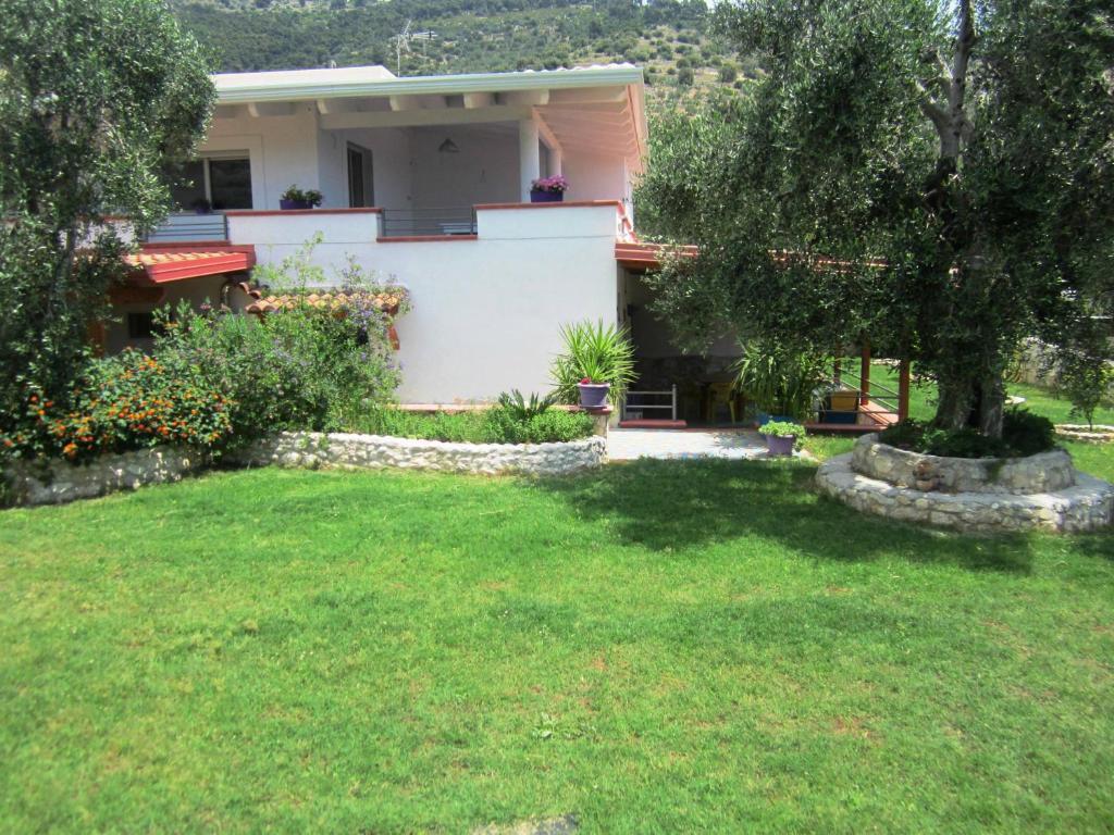 Vrt u objektu B&B Casa Vacanze Tor Di Lupo