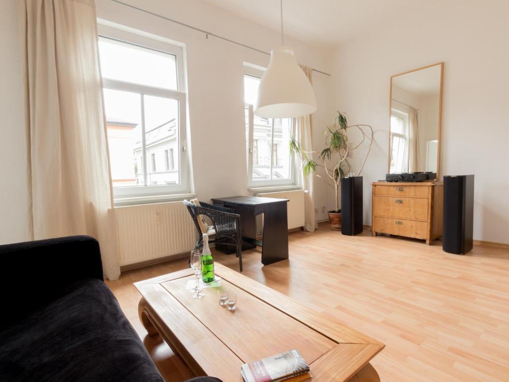 ferienwohnung wohnung peter deutschland weimar. Black Bedroom Furniture Sets. Home Design Ideas