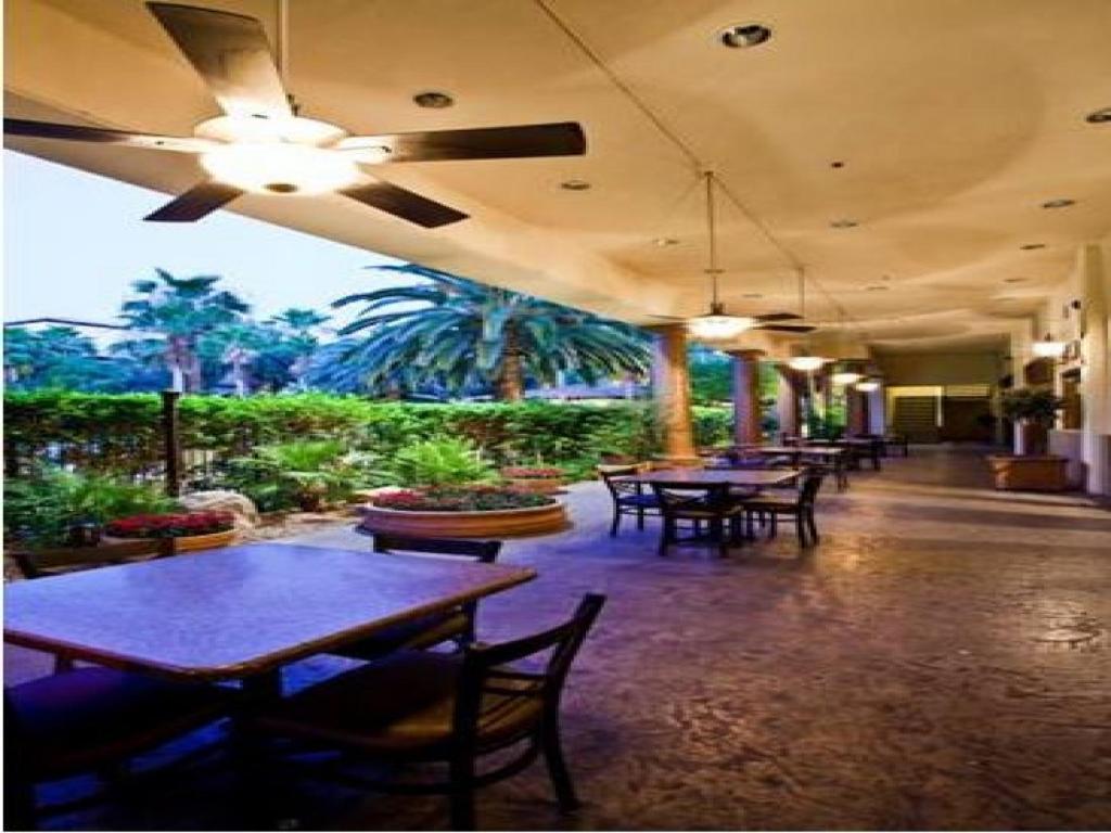 Tuscany suites hotel and casino casinos near freeport illinois