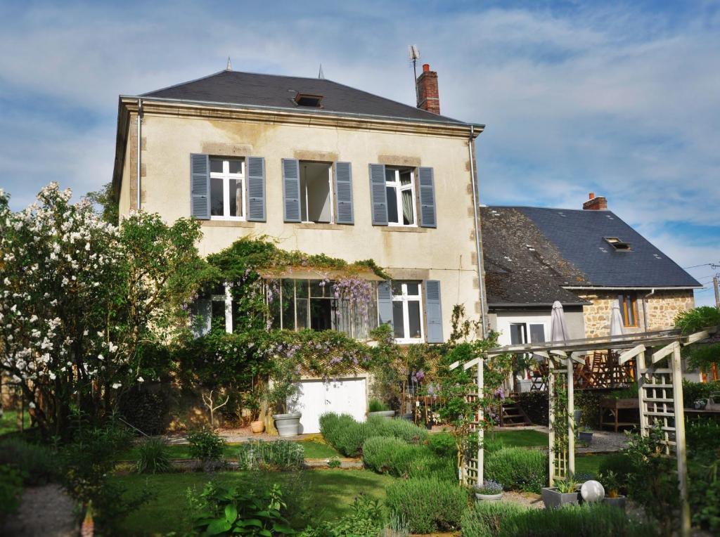 b&b / chambres d'hôtes la bourge (france le grand-bourg) - booking