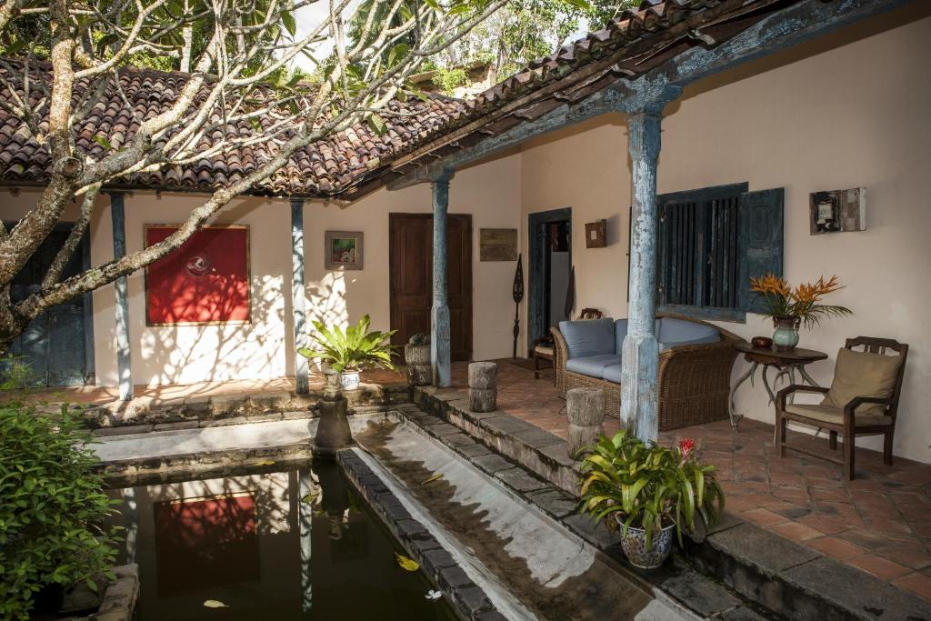 Villa hempel house galle sri lanka for Courtyard designs sri lanka