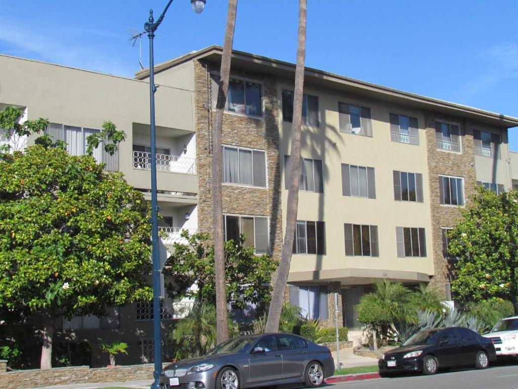 Two Bedroom Apartment Beverly Hills Los Angeles Ca