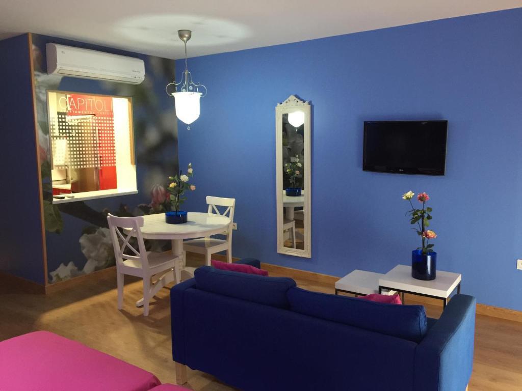 Apartamento capitolio apttur sticos espa a m rida for Habitacion familiar merida