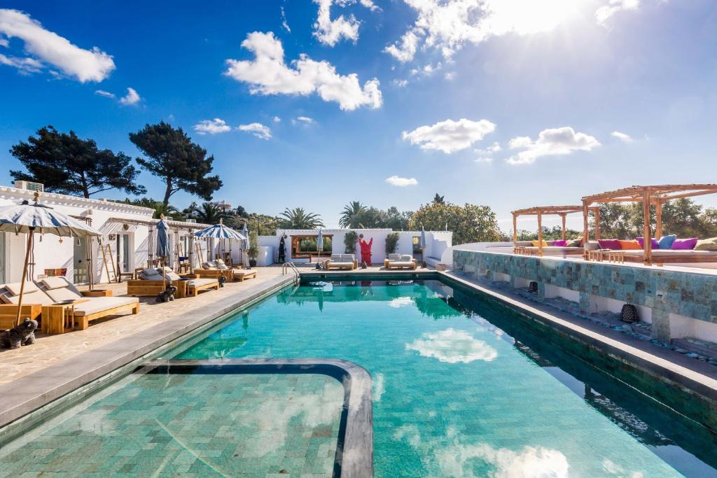 boutique hotels in santa eularia des riu  23