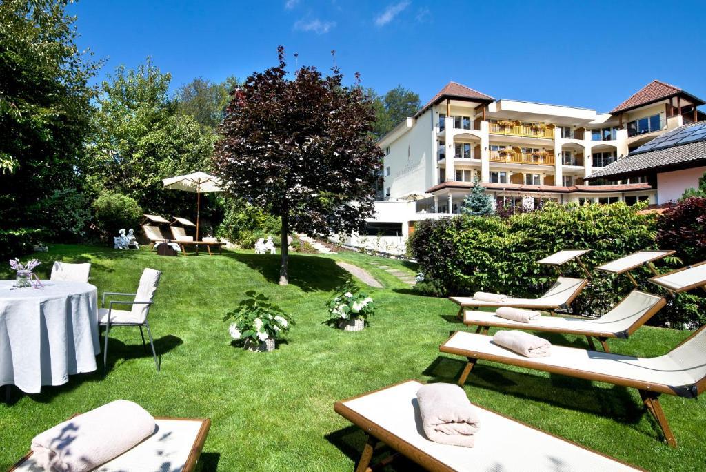 Hotel der mesnerwirt avelengo italy for Reservation hotel italie