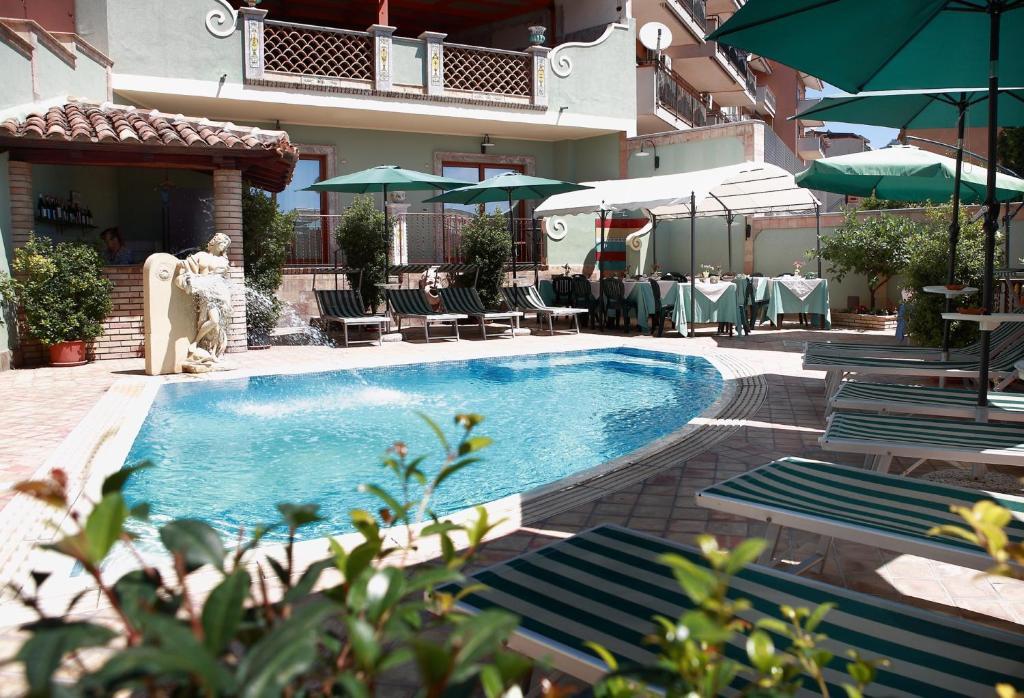 Villa cristina giardini naxos italy booking.com