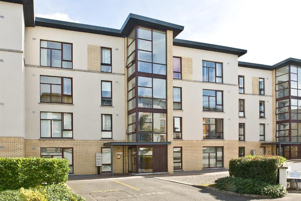 Shanowen apartments santry ireland for Appart hotel dublin