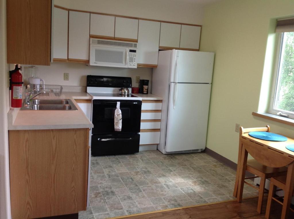 A Suite Alaskan Inn, Fairbanks, AK - Booking.com
