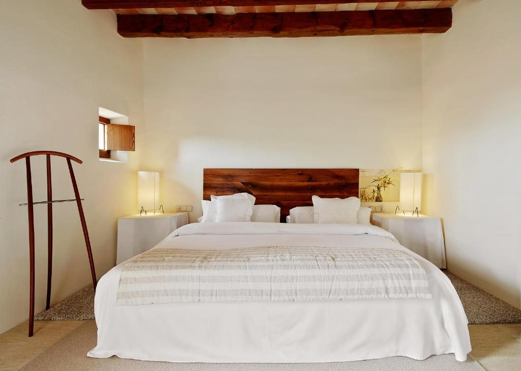 boutique hotels son servera  25