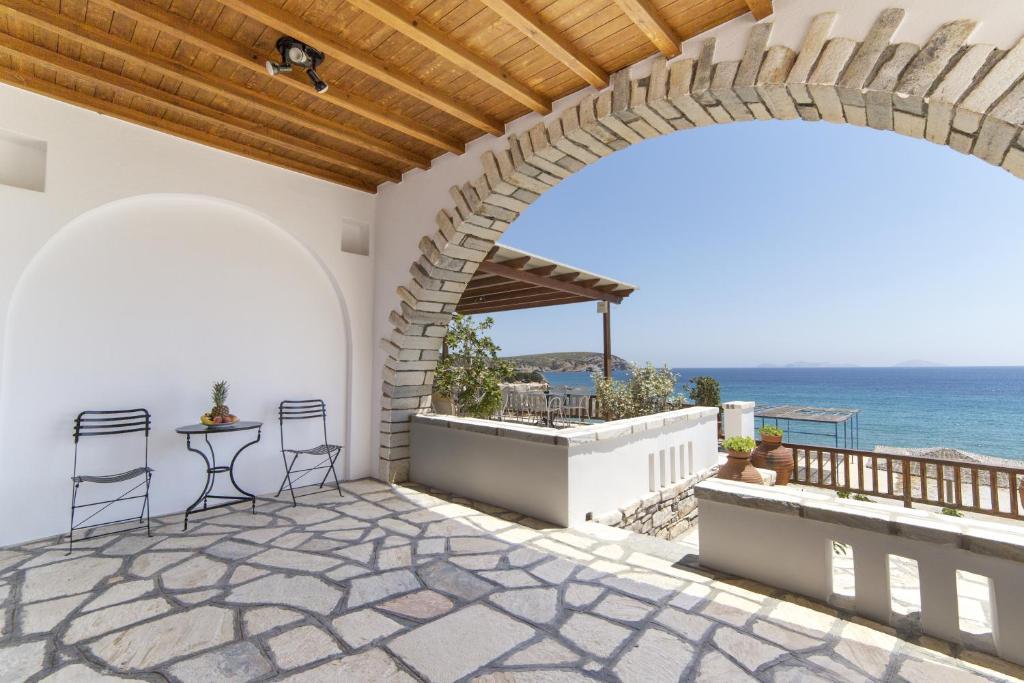 Недвижимость в остров Ставрос на побережье недорого