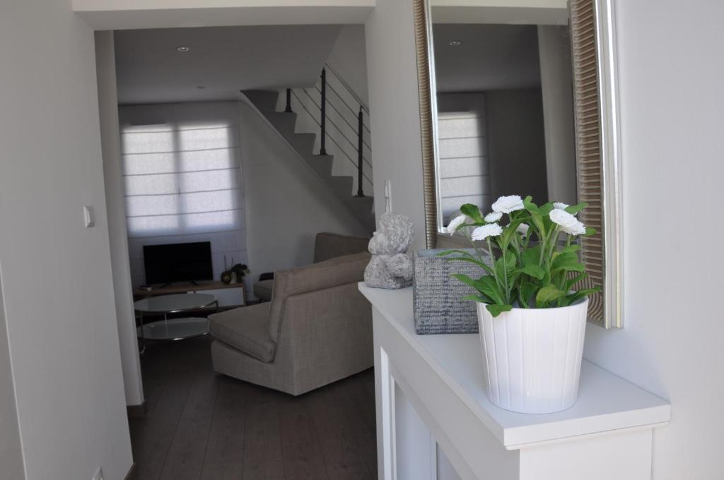 Villa Maison Jacuzzi Arles France  BookingCom