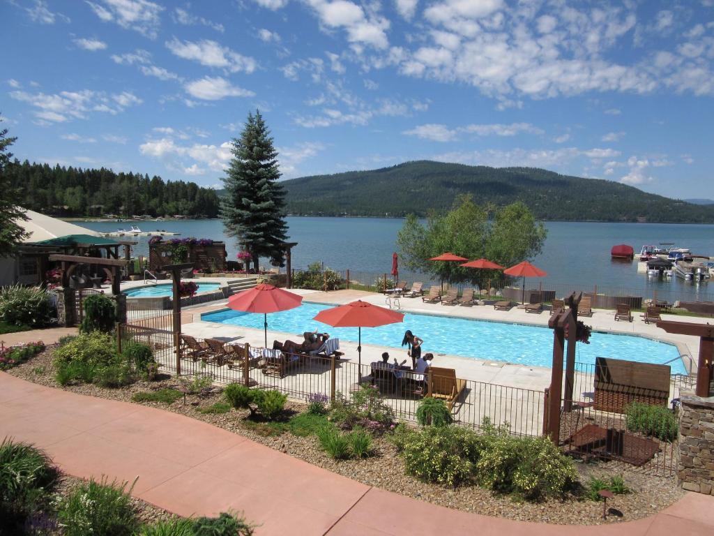 The swimming pool at or near Lodge at Whitefish Lake