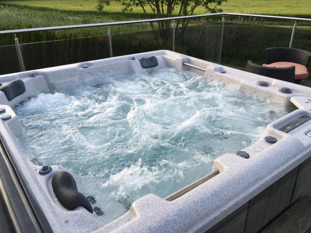 Ferienhaus house with pool dottikon switzerland - Sauna whirlpool ...