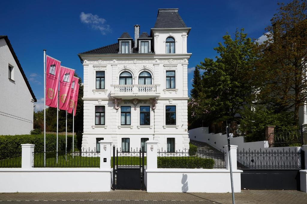 Boutique hotel villa am ruhrufer go deutschland m lheim for Boutique hotel deutschland