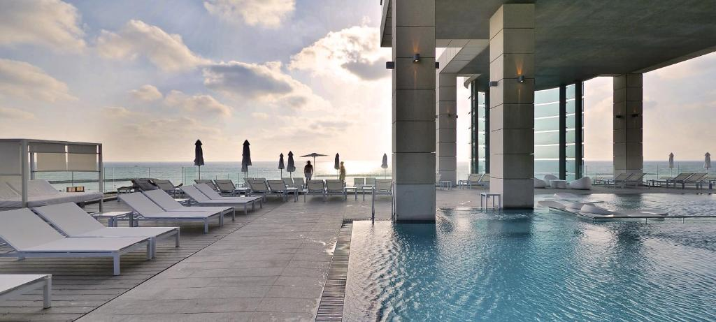 ロイヤル ビーチ ホテル テル アビブ バイ イスロテル エクスクルーシブ コレクション(Royal Beach Hotel Tel Aviv by Isrotel Exclusive Collection)