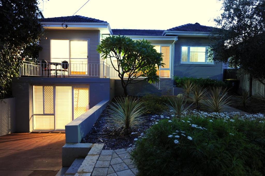 trigg beach cottage perth updated 2019 prices rh booking com