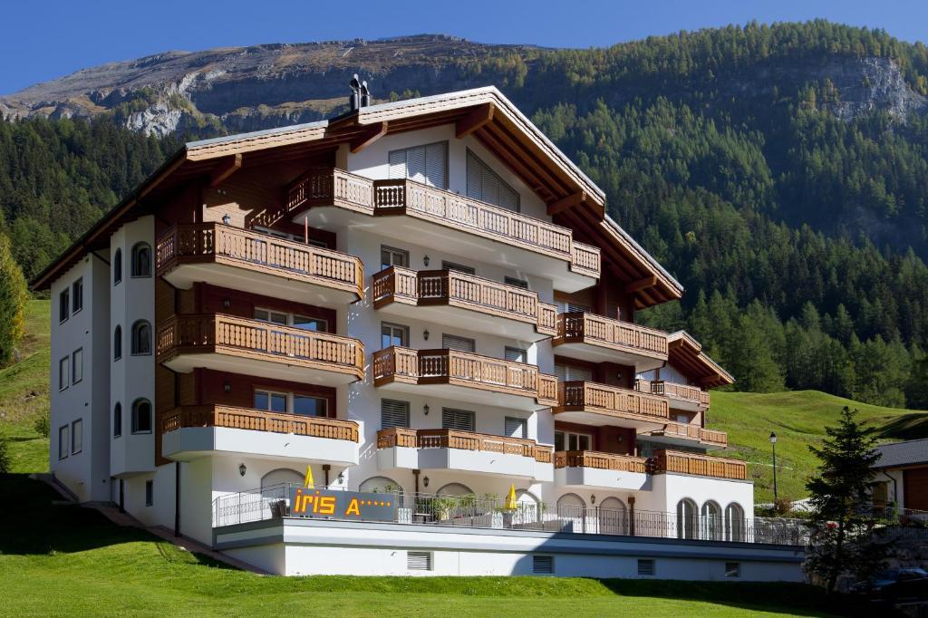 Unieke Woonkamer Iris : Apartments residenz iris zwitserland leukerbad booking.com
