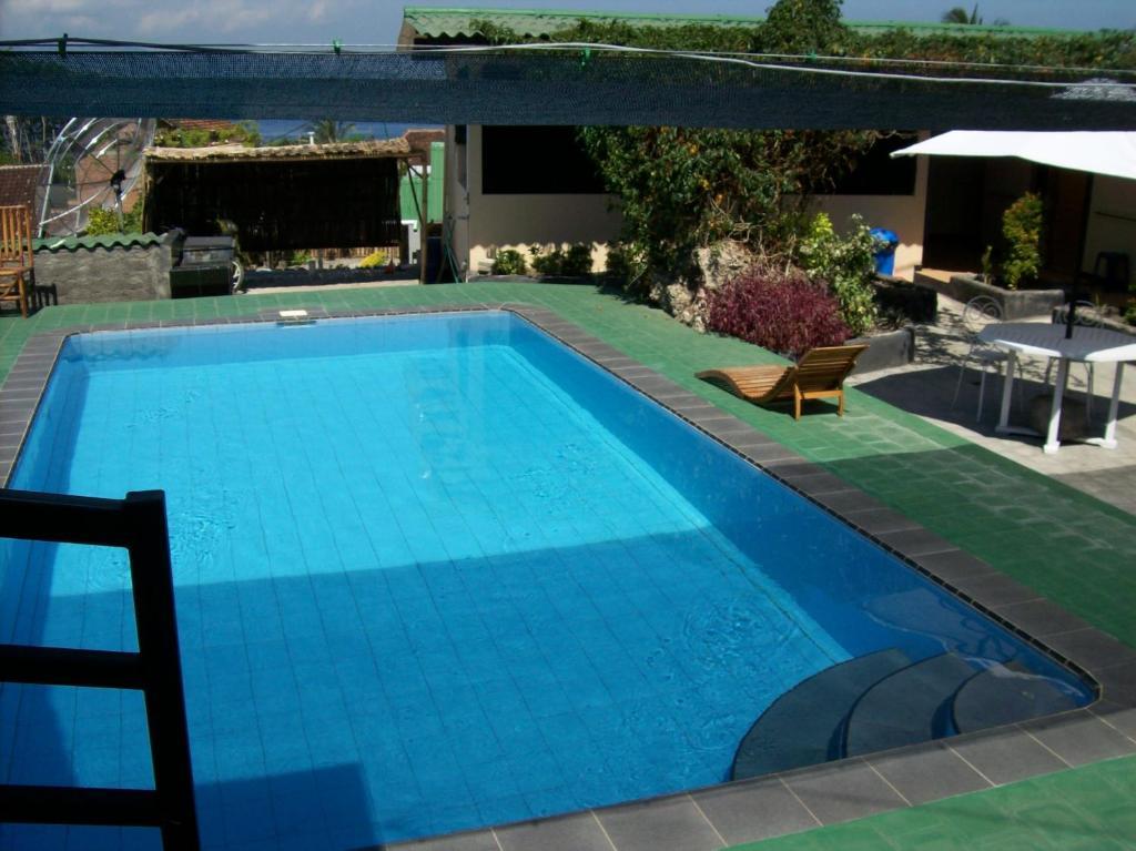 Der Swimmingpool an oder in der Nähe von Panorama Homestay