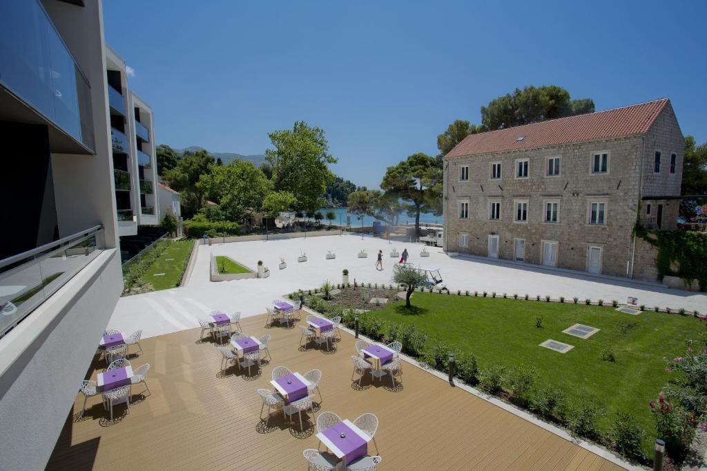 Pogled na bazen v nastanitvi Hotel Mlini oz. v okolici