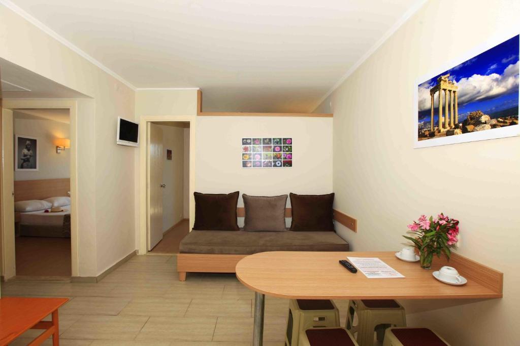 Yakındaki otel : Sun City Apartments & Hotel