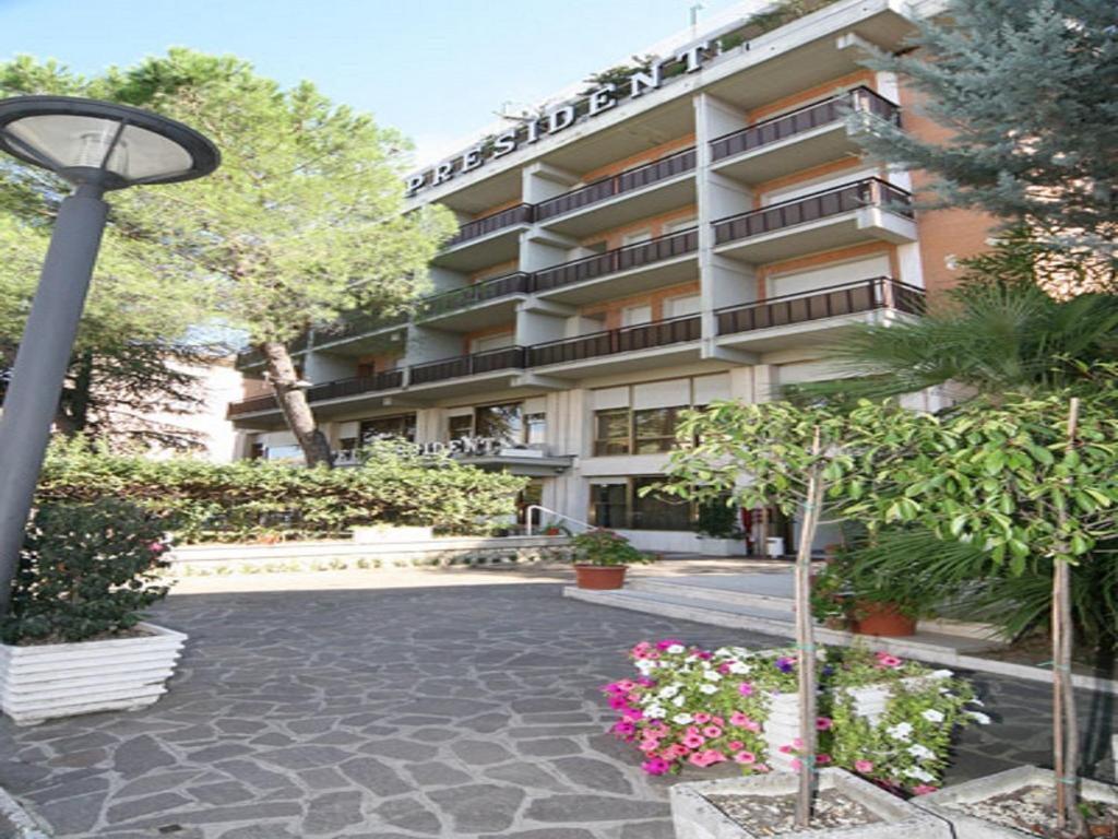 Hotel President Hotel President Chianciano Terme Italy Bookingcom