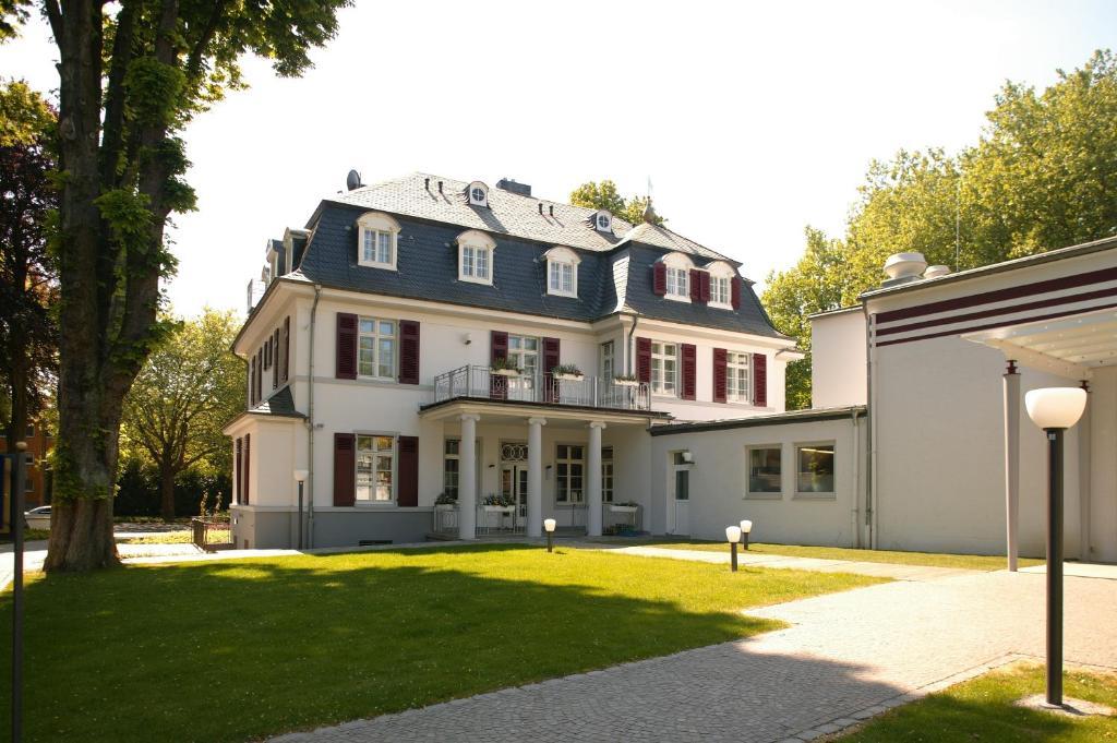 Villa Fürstenberg (Deutschland Leverkusen) - Booking.com