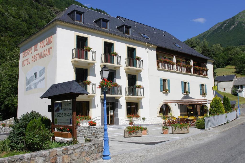 Logis h tel la br che de roland g dre including photos for Hotel de france booking