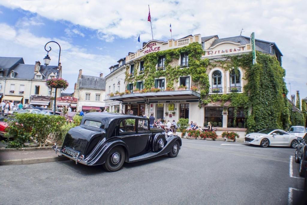 Logis Hotel De France La Chartre Sur Le Loir France Booking Com