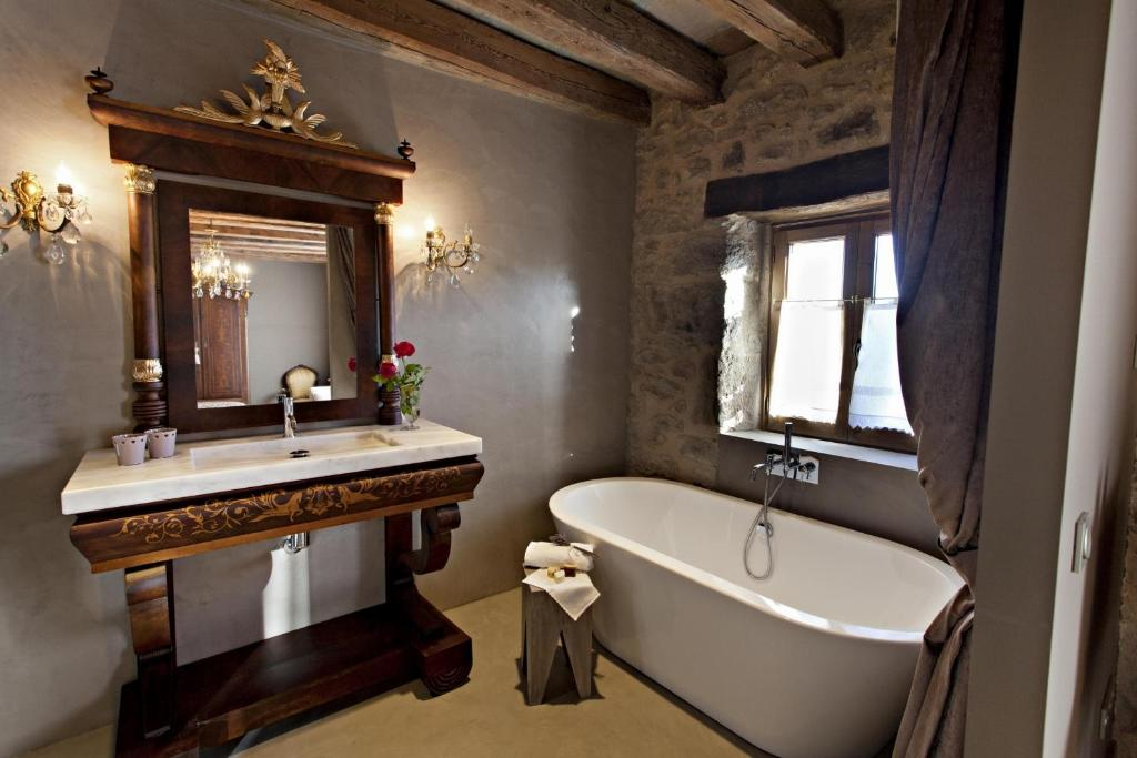 boutique hotels lladurs  25